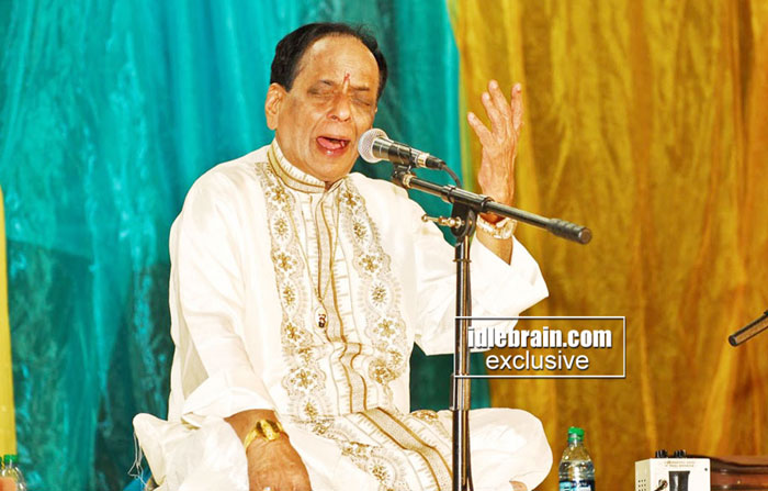 Bata hosts mangalampalli balamurali krishna live musical for Athidhi indian cuisine sunnyvale