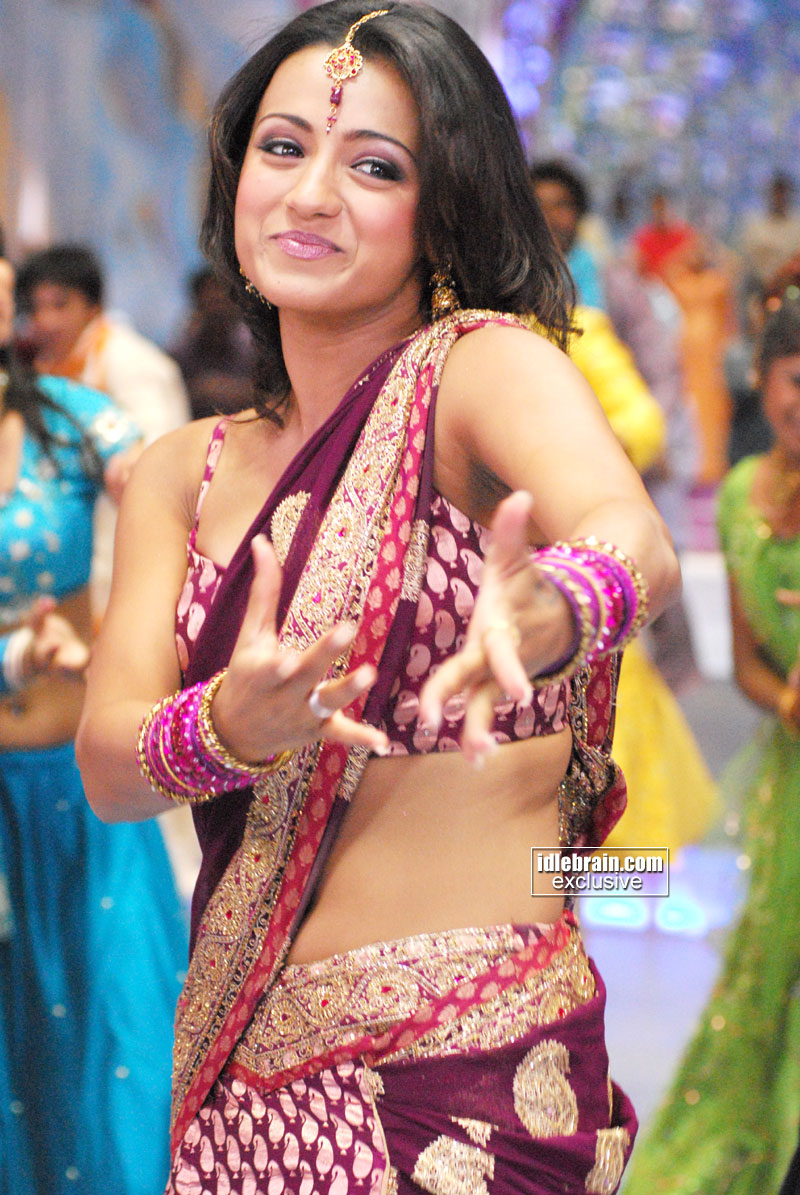Pin Thread Trisha Navel Show In Half Saree on Pinterest
