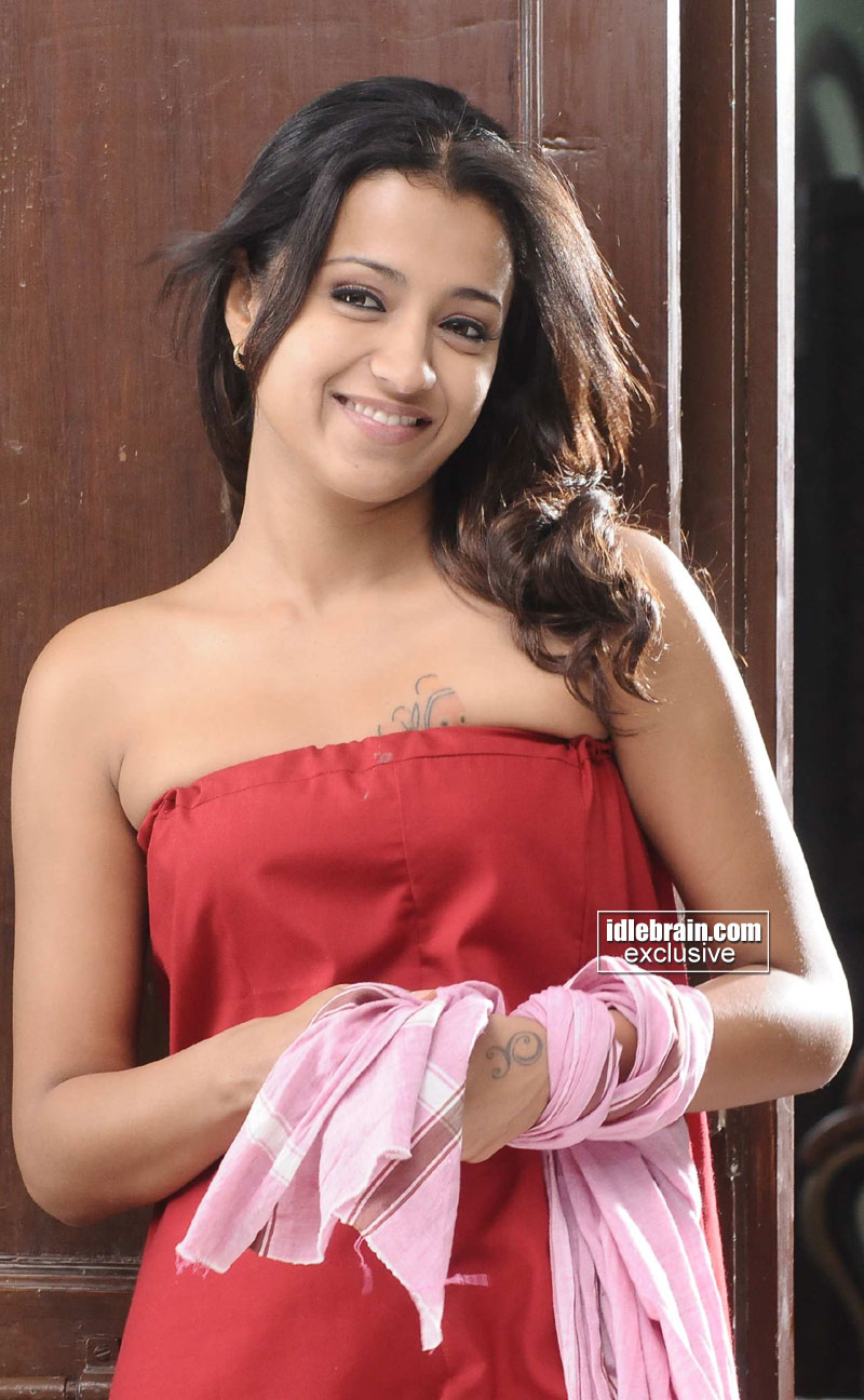 Trisha photo gallery telugu cinema actress for Trisha bathroom videos photos